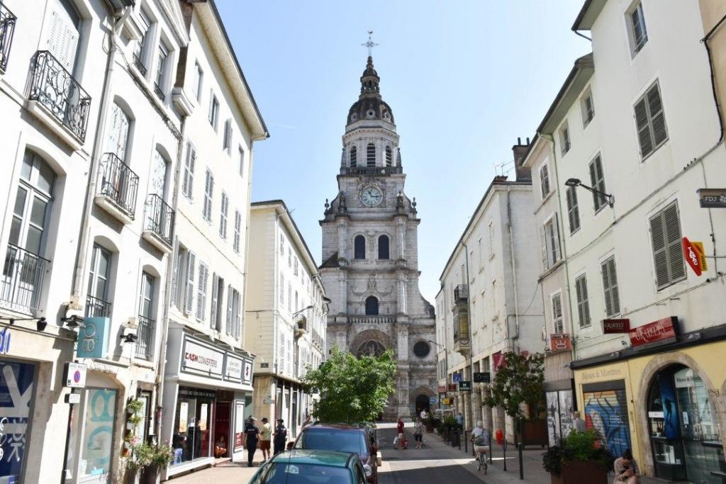 VTC Lyon Bourg-en-Bresse Taxi Lyon Bourg-en-Bresse