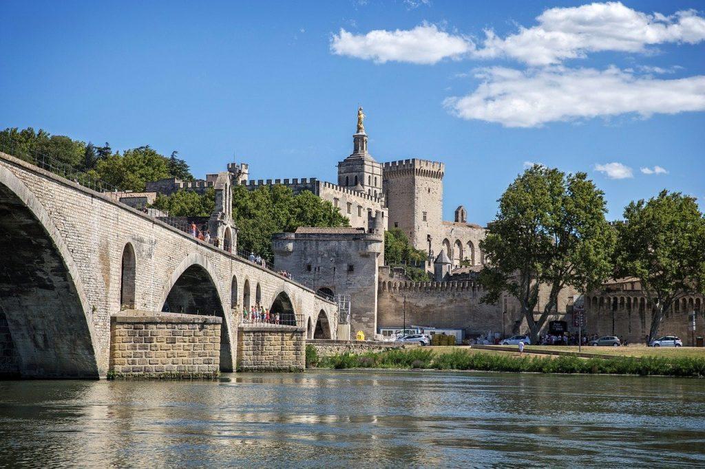 VTC Lyon-Avignon Taxi Lyon-Avignon